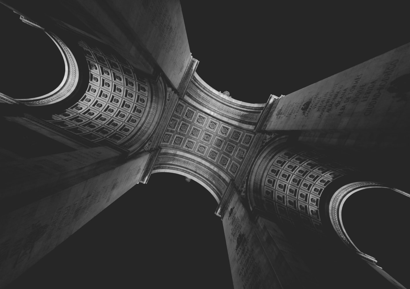 L'Arc de Triomphe in Paris photographed from below