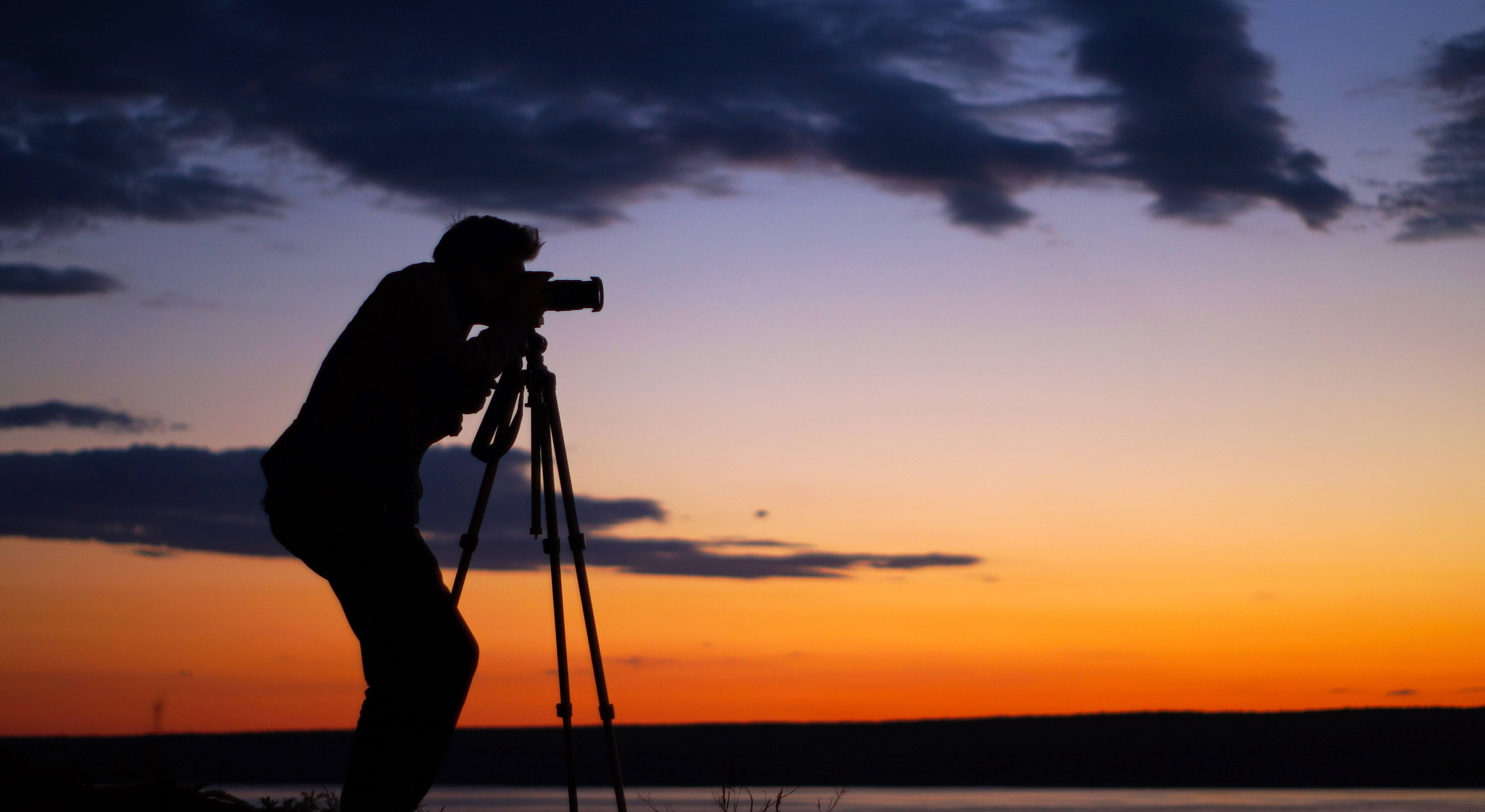 Tripod and monopod buying guide