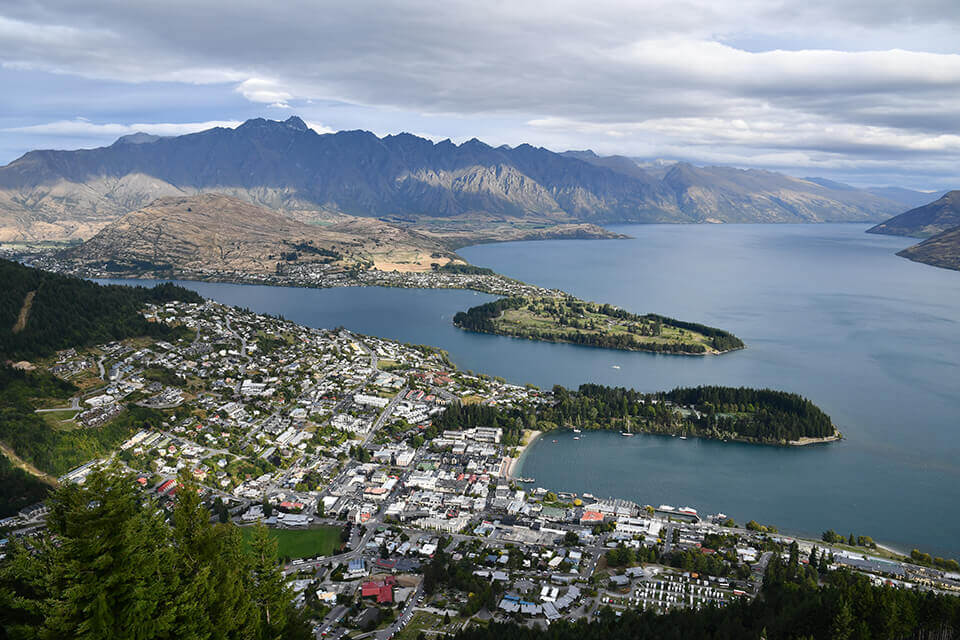 Scenic view over Queenstown, New Zealand, towards Lake Wakatipu and mountains – photographed with the Nikon D7500 DSLR camera