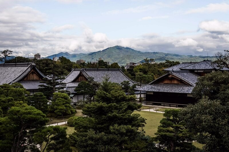 Large aperture example- Japanese Home with a Mountain View